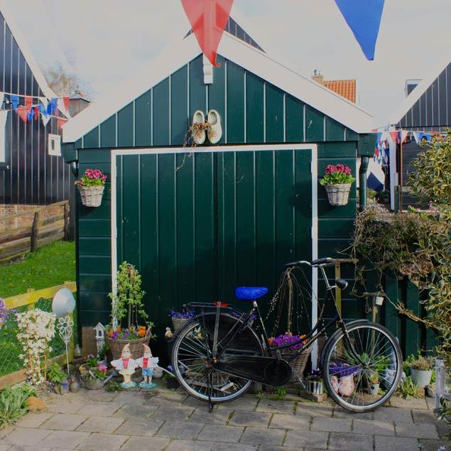 foto garaje con adornos en Marken