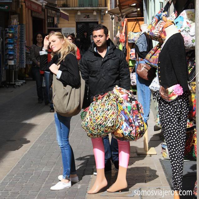 hombre con medias en Colliure - Francia