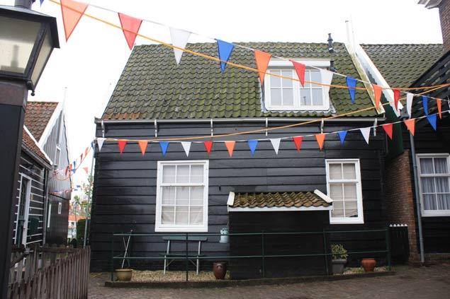 Viajar en familia a Holanda y alojarse en una antigua casa de pescadores en Marken