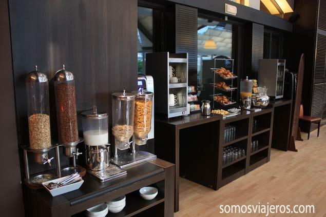 Zona de desayuno del hotel Novotel