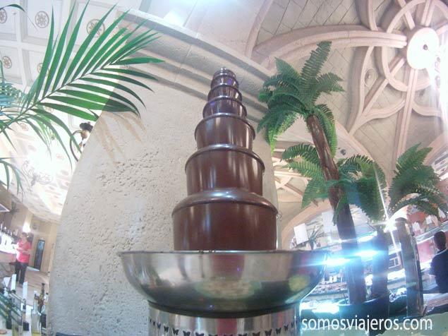 Cascada de chocolate en Marina d'Or