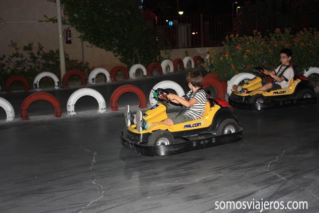 Carreras de coches en el parque de atracciones de Marina d'Or