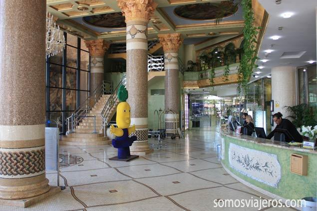 vestíbulo hotel marina d'or