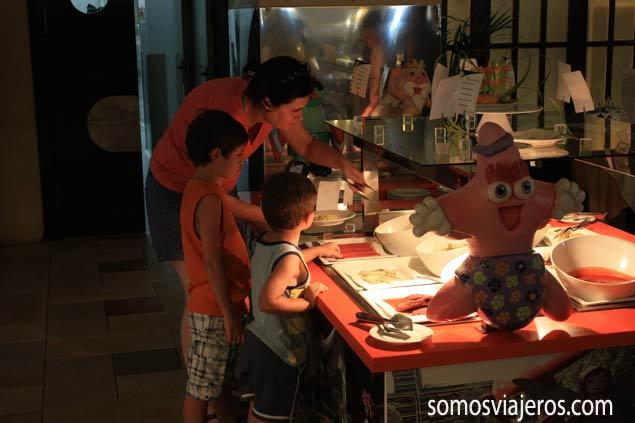 Área comida infantil en restaurante Marina d'or