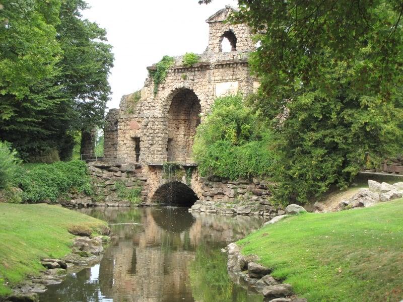 Ruinas del templo del jardín botánico