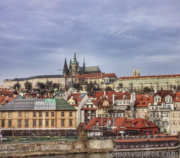 Castillo de Praga desde el puente de Carlos