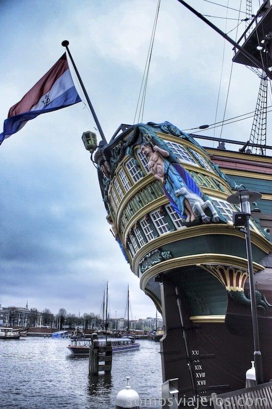 Viaje a Amsterdam. Barco en el museo marítimo de Amsterdam