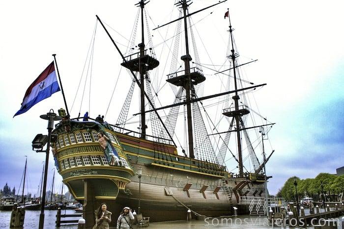 Viaje a Amsterdam. Barco Amsterdam en el museo marítimo