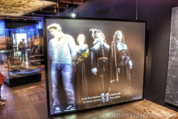 Viaje a Amsterdam. Personajes virtuales en el museo marítimo de amsterdam