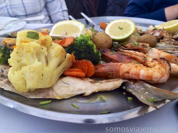 Gastronomía portuguesa en el restaurante mar do Inferno