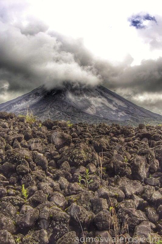 Viaje a Costa Rica. Lava en volcán arenal