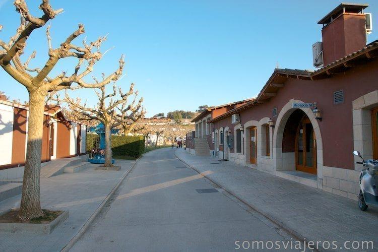 Calle principal Berga Resort