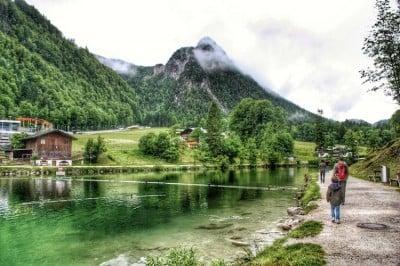paisajes de ensueño en austria con niños