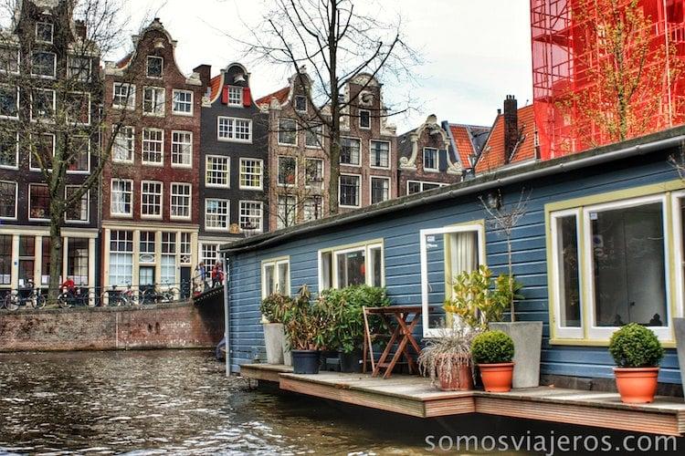 Casas a pie de canal en Amsterdam