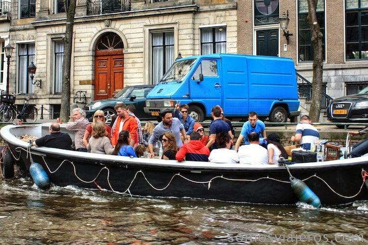 Fiesta en el canal