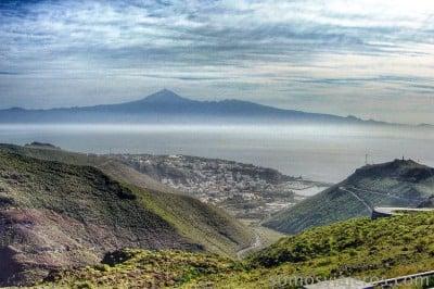 vista de San Sebastián de la Gomera con Tenerife al fondo