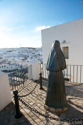 estatuas vejer mujeres cobijadas