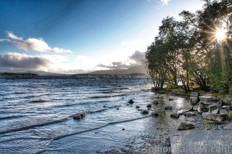 lago lomond escocia atardecer