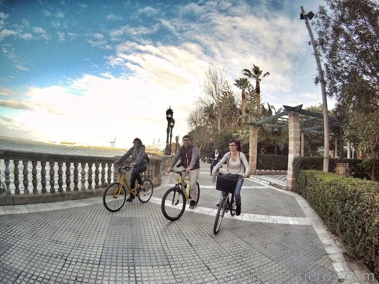recorrer Cádiz en bicicleta