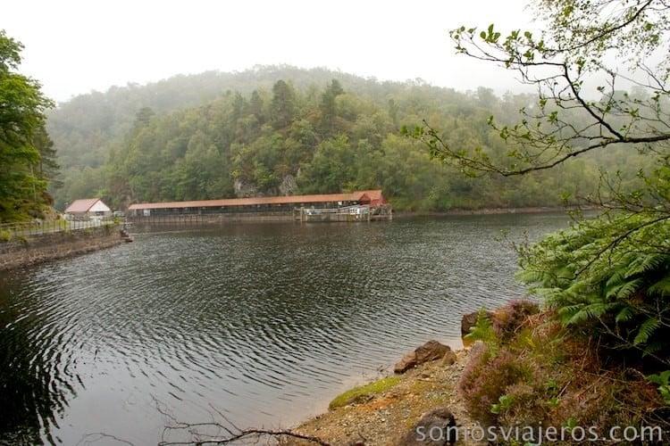 imágenes del lago desde el camino