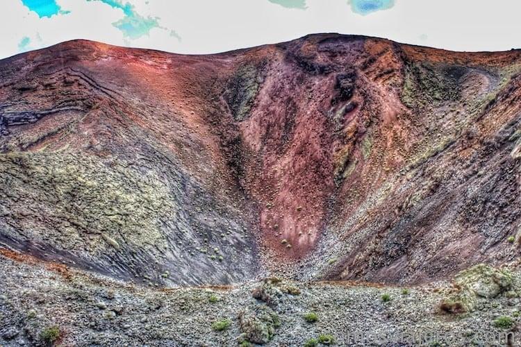 timanfaya y el terreno de colores