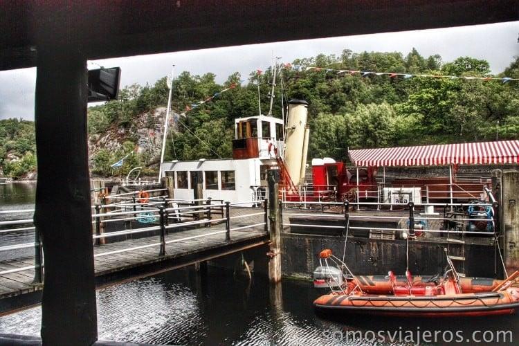 embarcadero lago Katrine en Escocia