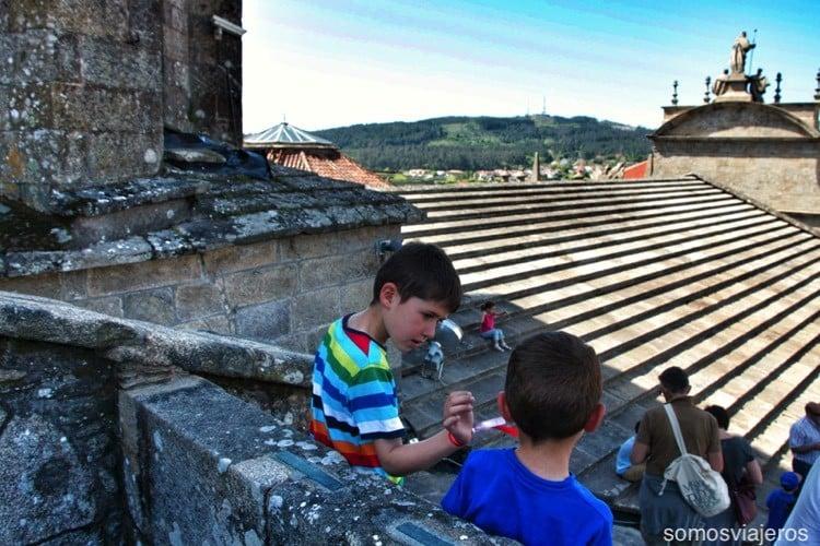 Catedral de Santiago con niños 07