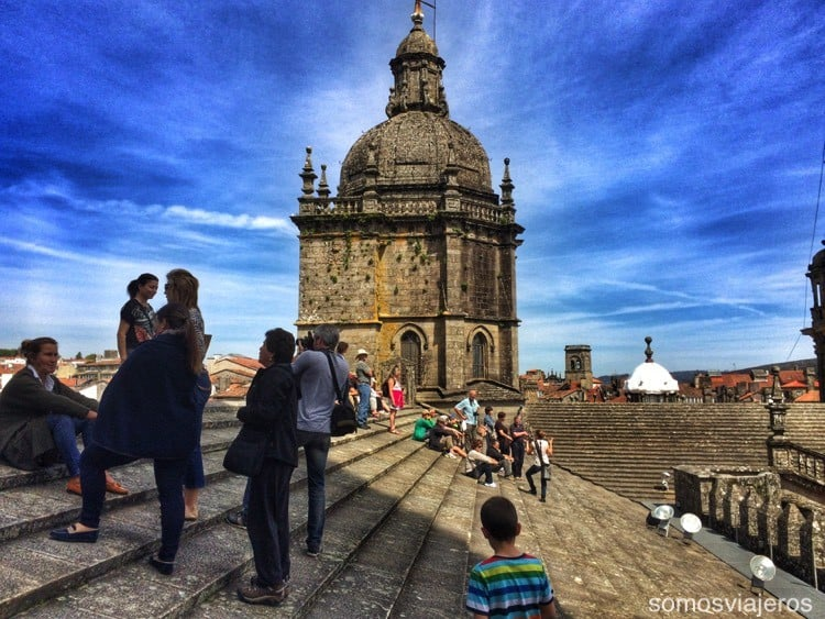 Catedral de Santiago con niños 09