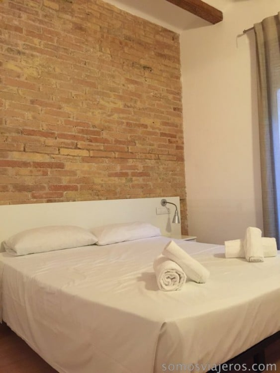 dormitorio apartamento happy people barcelona