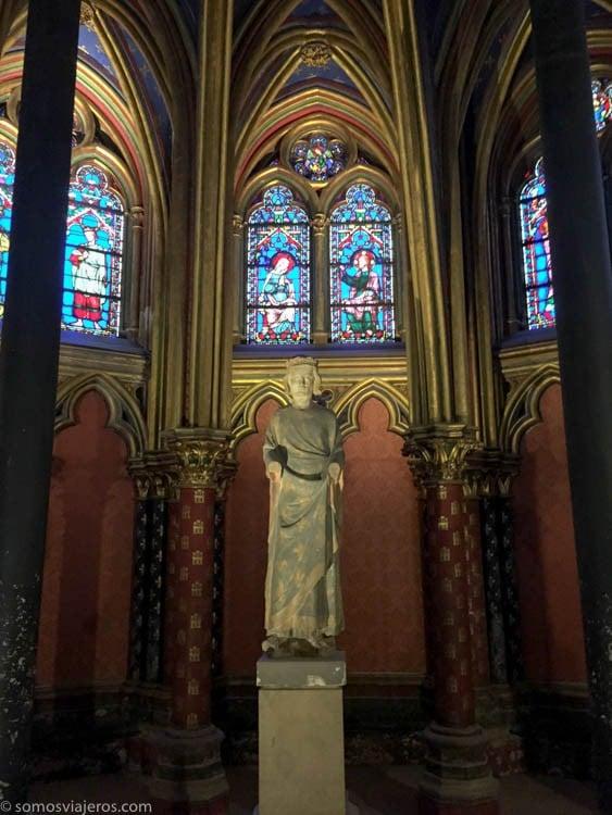 Saint Chapelle escultura planta baja