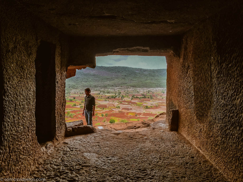 Cuevas de Bhaja. Viajar a India
