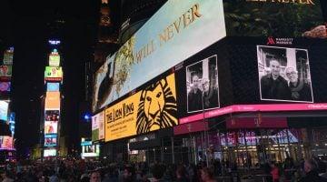 Cómo aparecer en las pantallas de Times Square