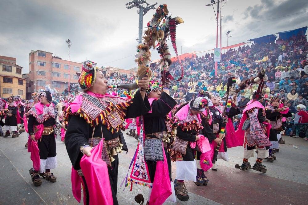 desfile en el carnaval de Oruro