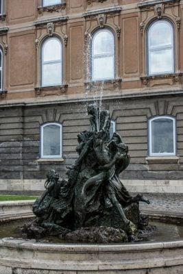 fuente en castillo de Buda
