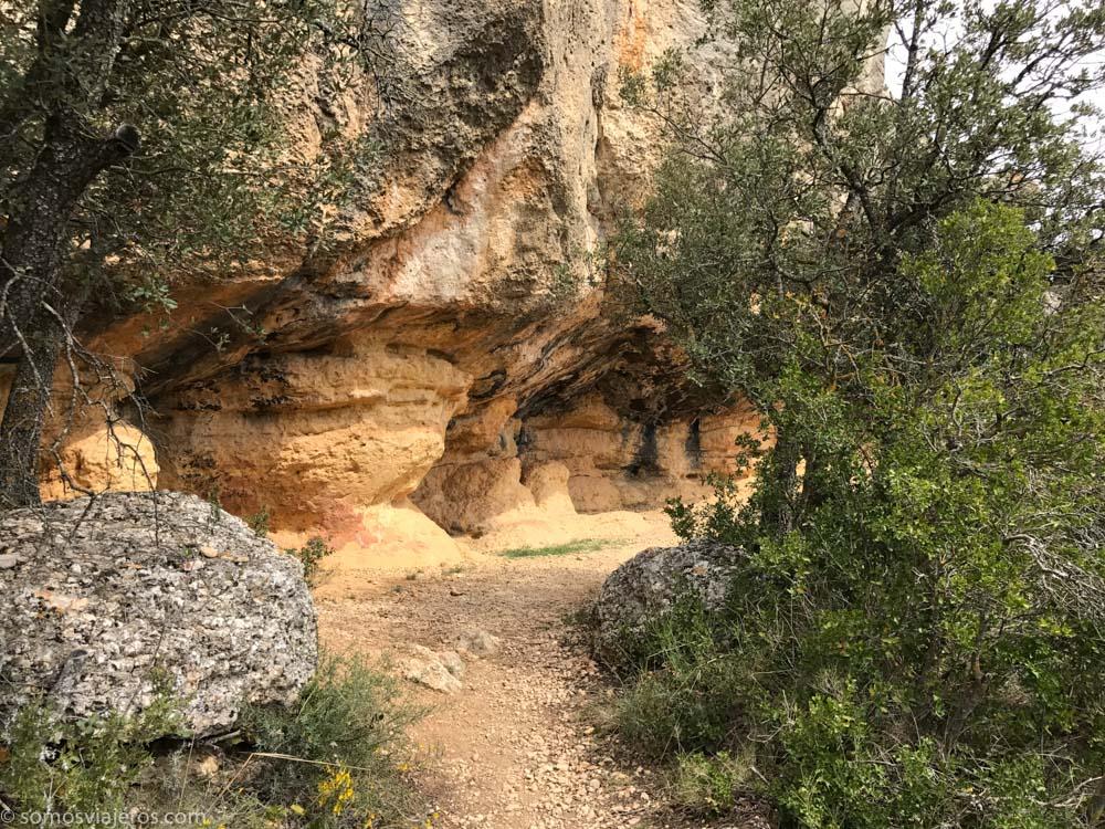 cueva a mitad recorrido cueva dels calaixos
