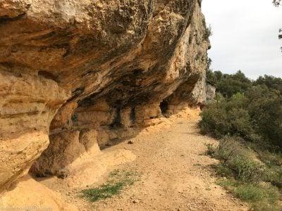 camino a la cova dels calaixos