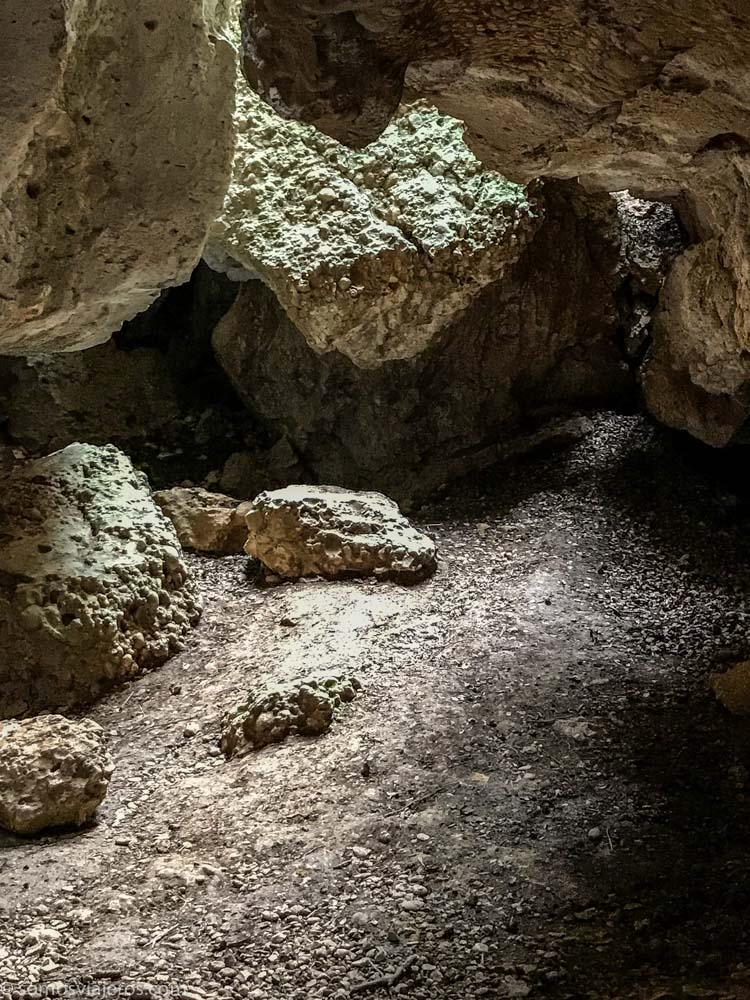 Interior cova dels calaixos
