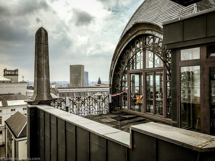 Museo de instrumentos musicales de Bruselas. Pequeña estructura en la parte superior en forma de miravete