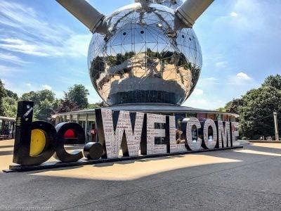 bienvenida en el atomium de Bruselas