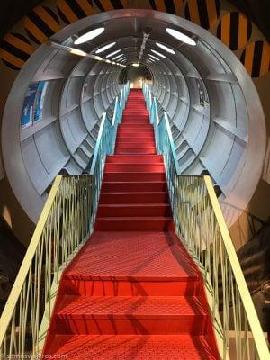 atomium de bruselas - escaleras