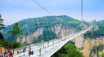 Zhangjiajie. El puente de cristal más largo del mundo.