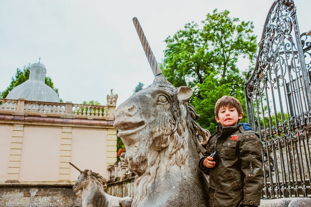 jardines mirabell-pau y el unicornio