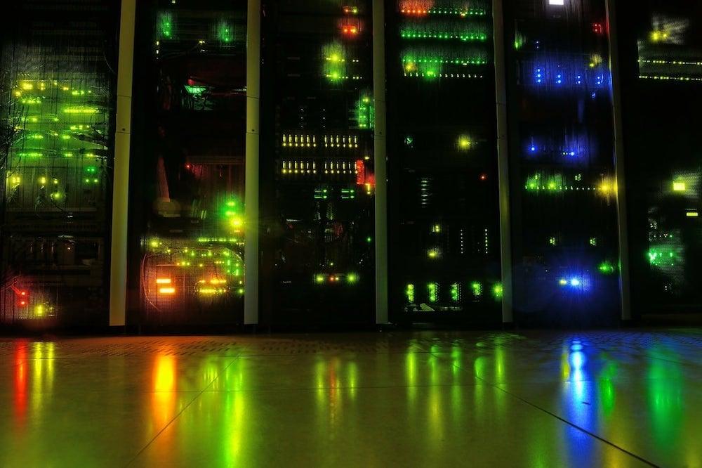 datacenter con ordenadores