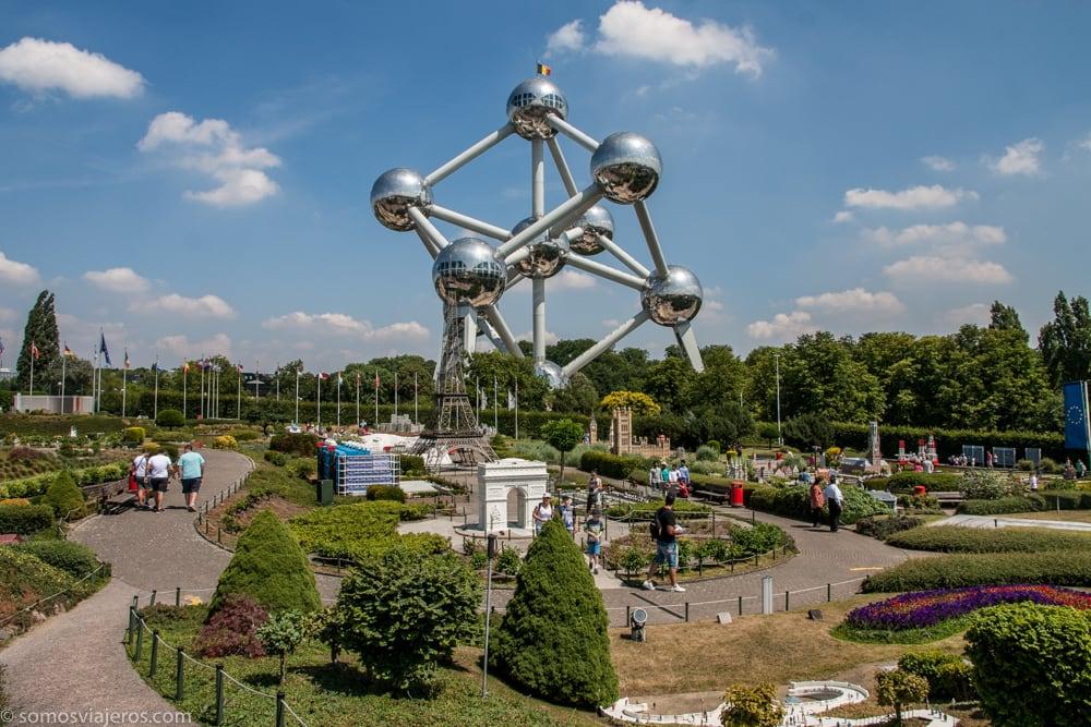 proximidad del Atomium y mini-Europe