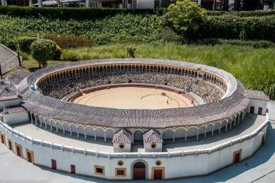 plaza de toros de Sevilla en la Grand Place