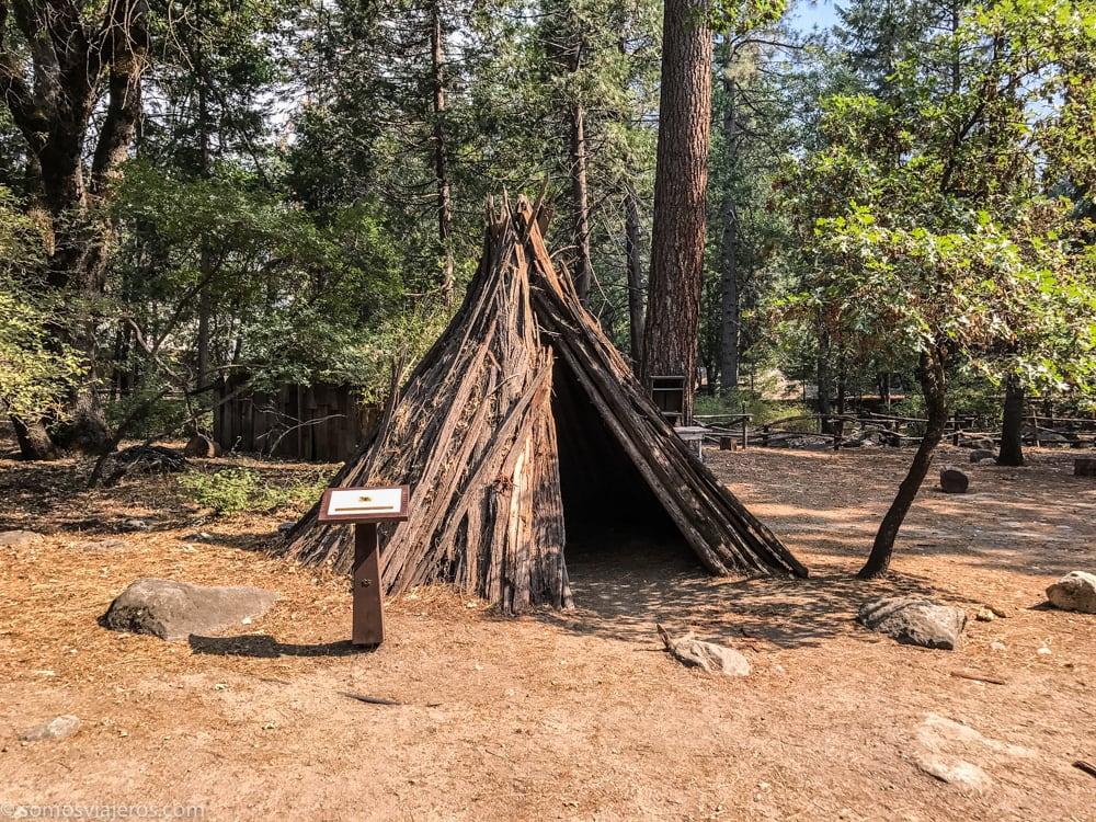 Poblado Indio de Ahwahnee - Cabaña Miwok en Yosemite