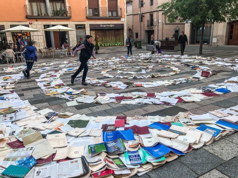 Espiral de libros en vila-seca