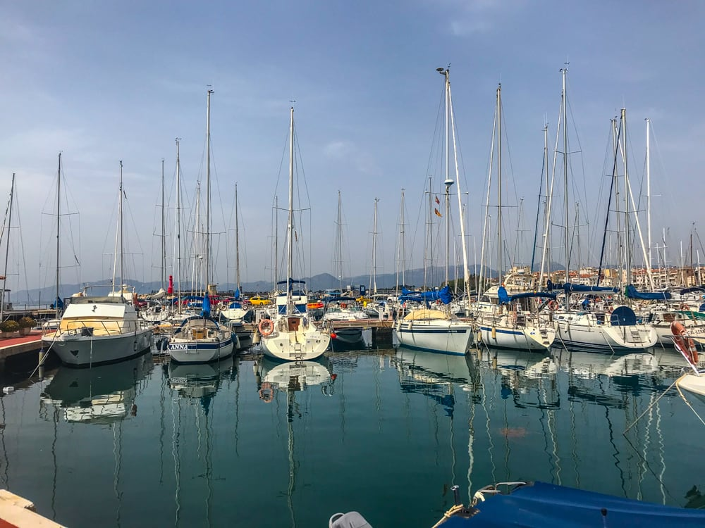 veleros en el puerto de cambrils