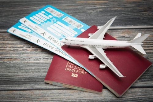 pasaporte y boarding pass