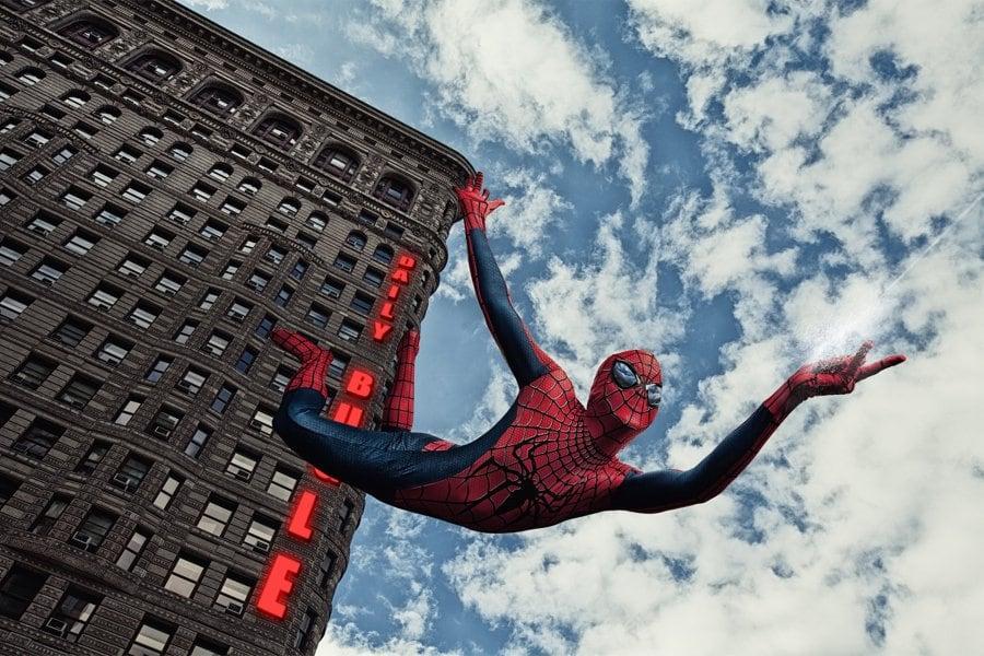 Spiderman con el edificio Flatiron detrás